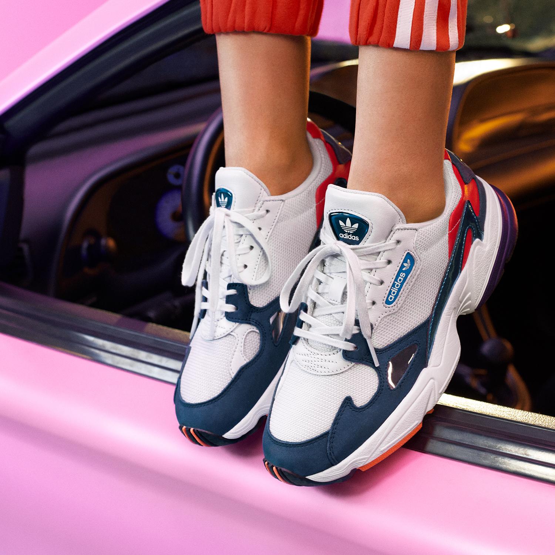 adidas falcon bleu blanc rouge