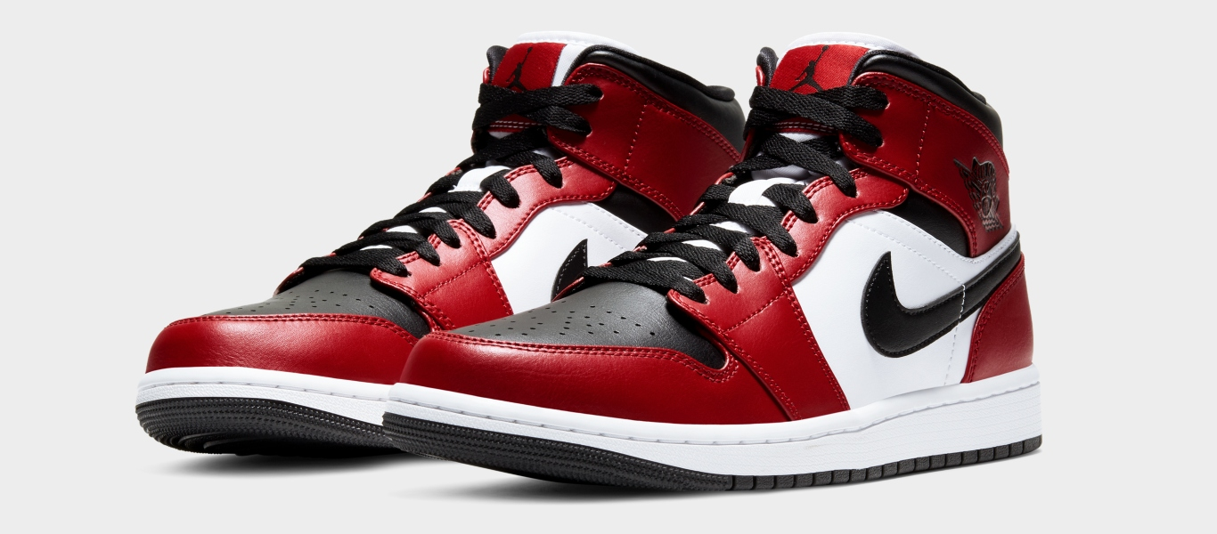 Air Jordan 1 mid Chicaco Black Toe